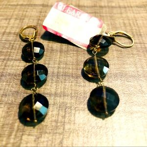 Lever with round Earring